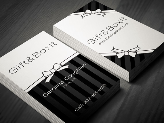 martina obertova vertical business card