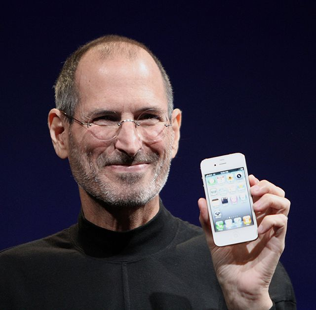 Steve Jobs introducing iPhone with storytelling